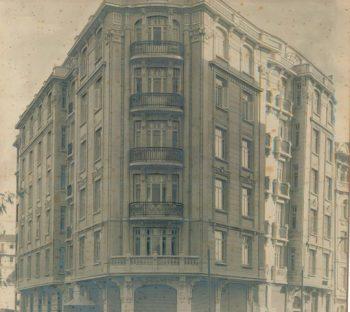 Narmanlı Apartment - 1900